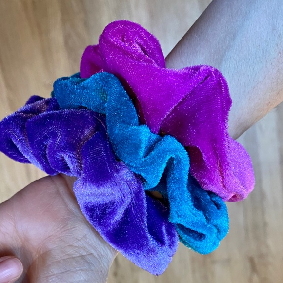 Flirty Spring Velvet Scrunchies 3 pack Hair Band